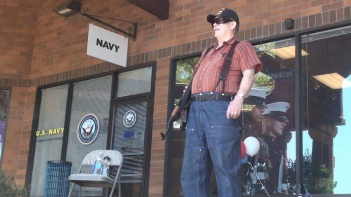 Gun toting at Eugene Recruitting office